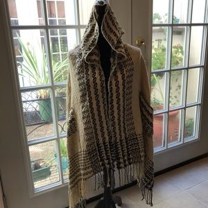 Do Everything In Love hooded poncho one size tan